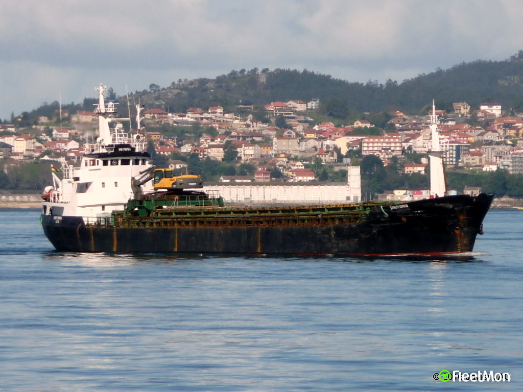 General cargo vessel LOYALTY EXPRESS towed to Maloy