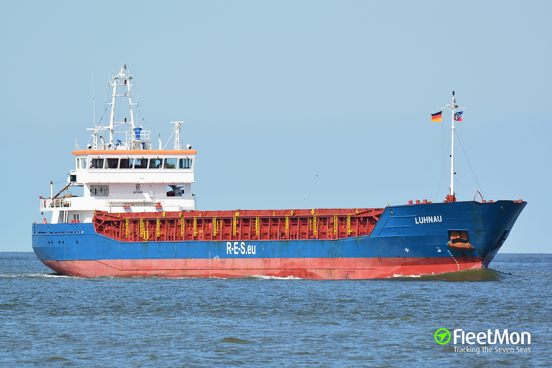 General cargo vessel Luhnau towed to Brest