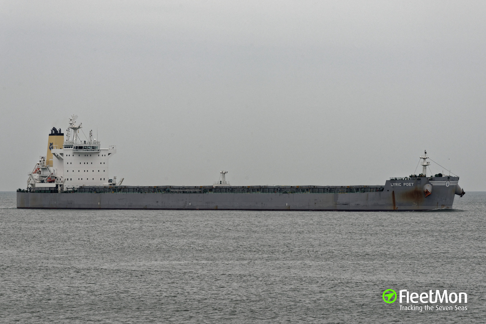 Panamax bulk carrier LYRIC POET refloated, being aground for 46 days