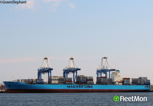 //photos.fleetmon.com/vessels/maersk-pittsburgh_9342176_679379_Large.jpg