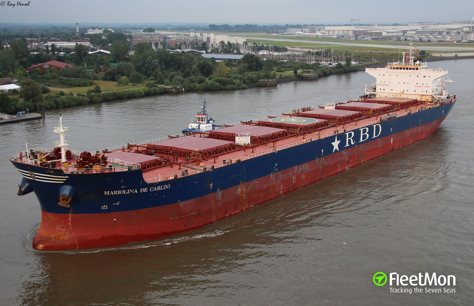 Bulk carrier MARIOLINA DE CARLINI ran aground off Freetown