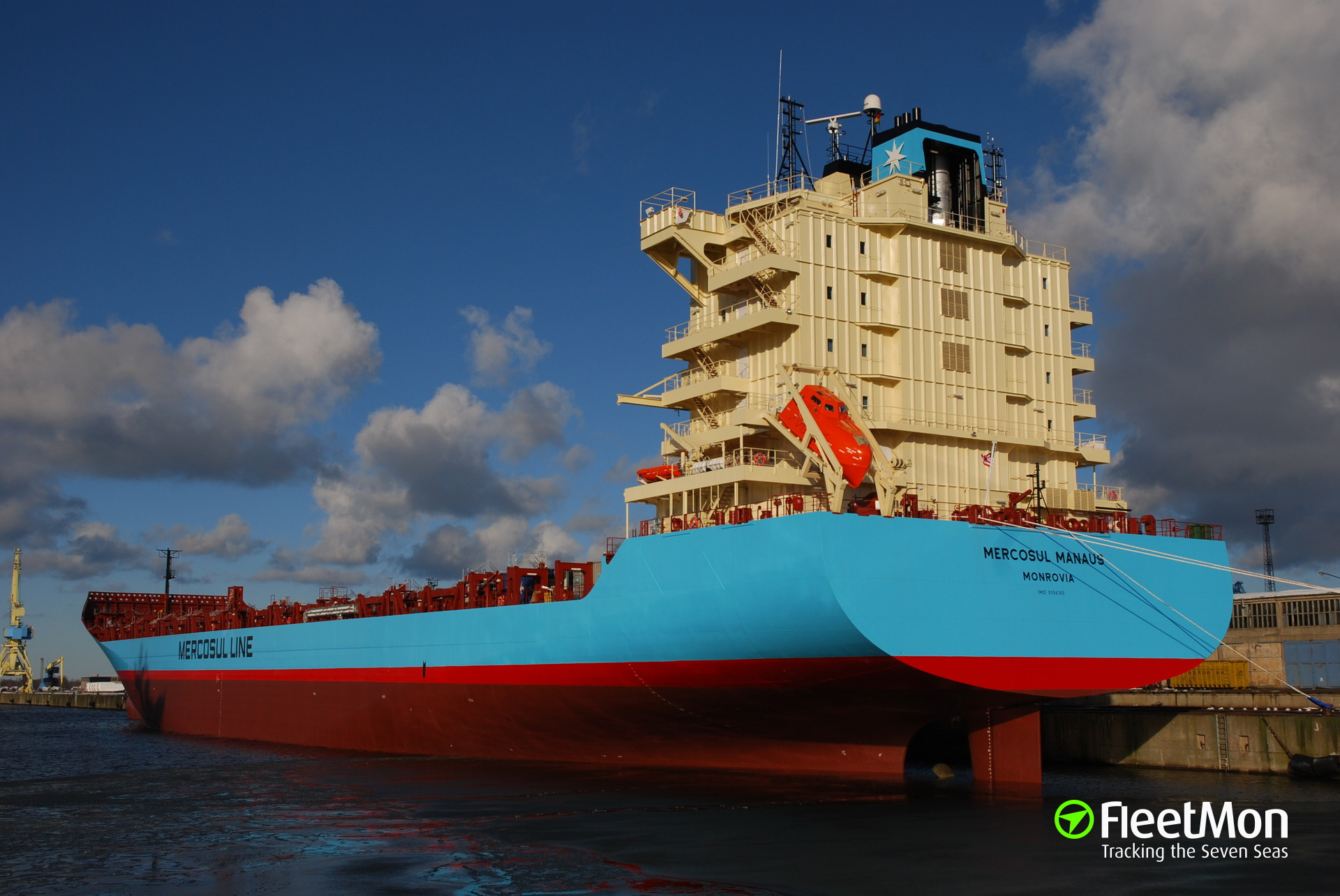 Pipe bust severely burned crew on board of Maersk container ship