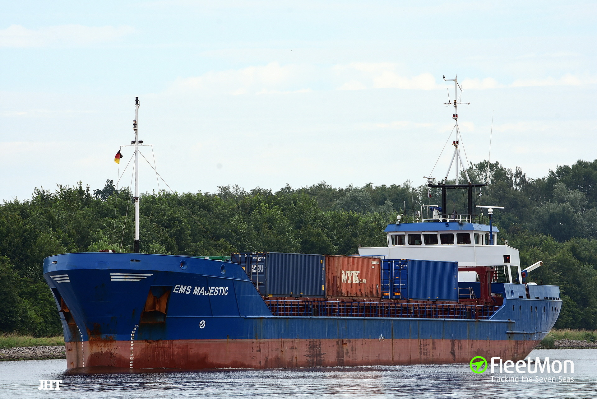 General cargo vessel EMS MAJESTIC in trouble in English Canal