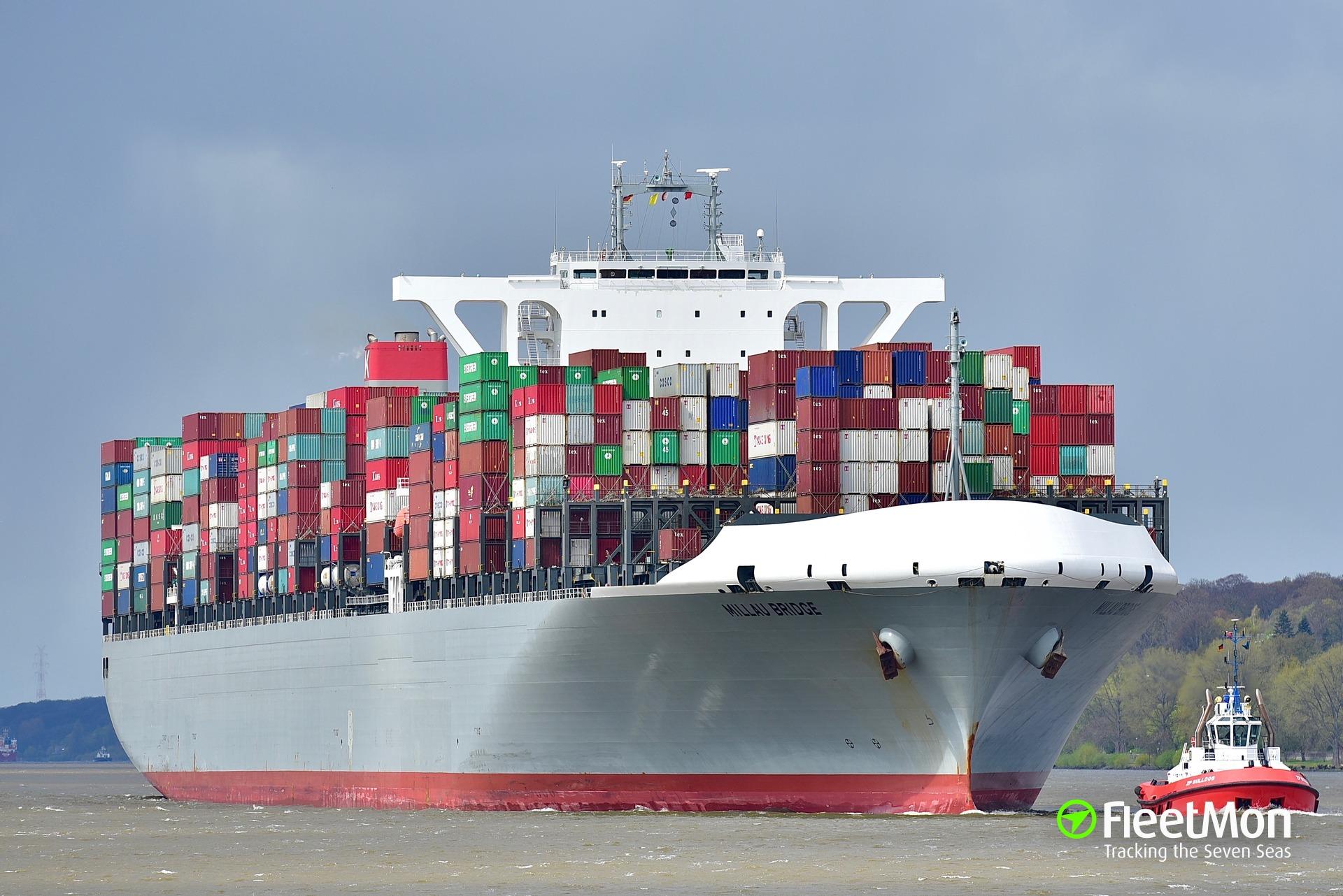 Mega container ship MILLAU BRIDGE disabled after mechanical failure