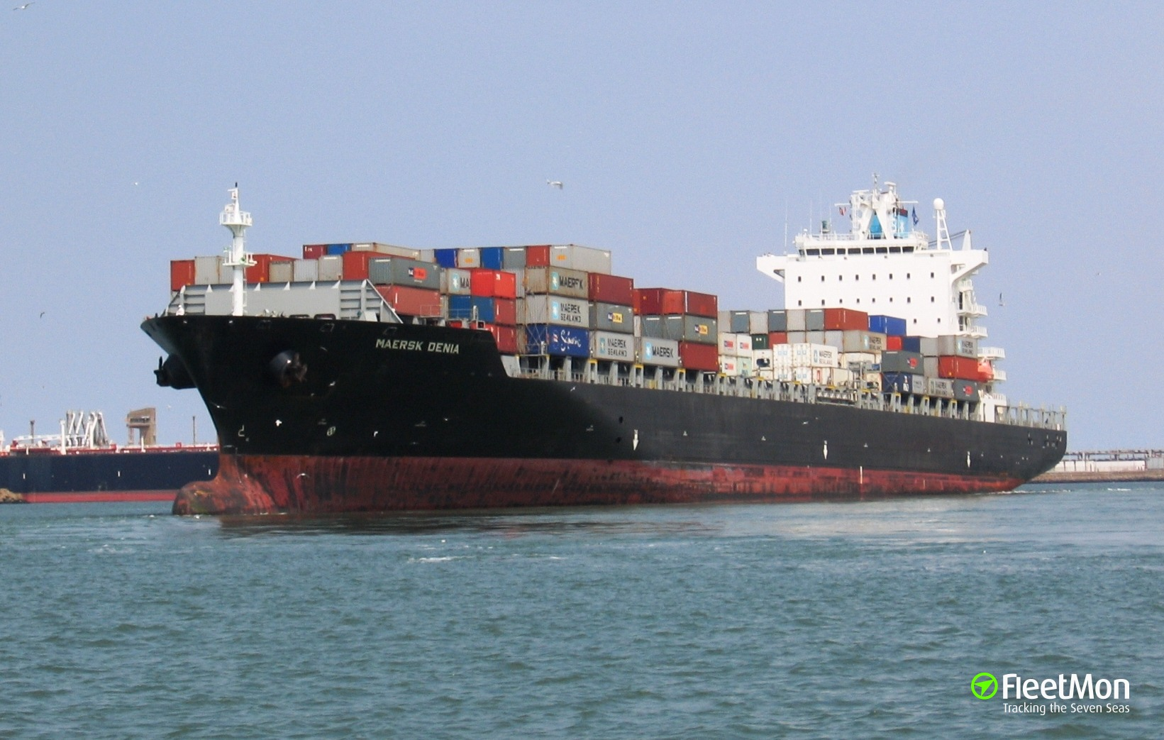 MSC ANISHA R troubled on Scheldt, brought to anchor