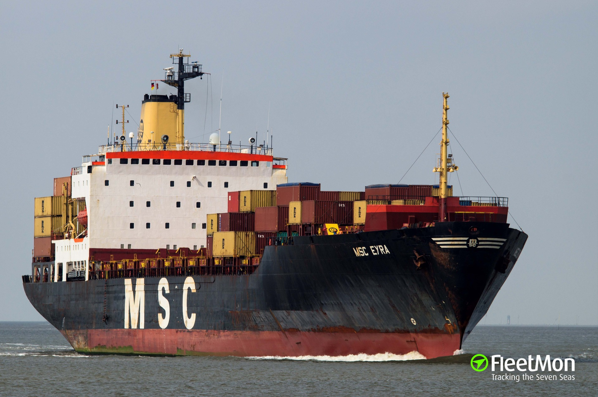 Container ship MSC EYRA troubled, 1 crew injured, 1 container lost, North sea