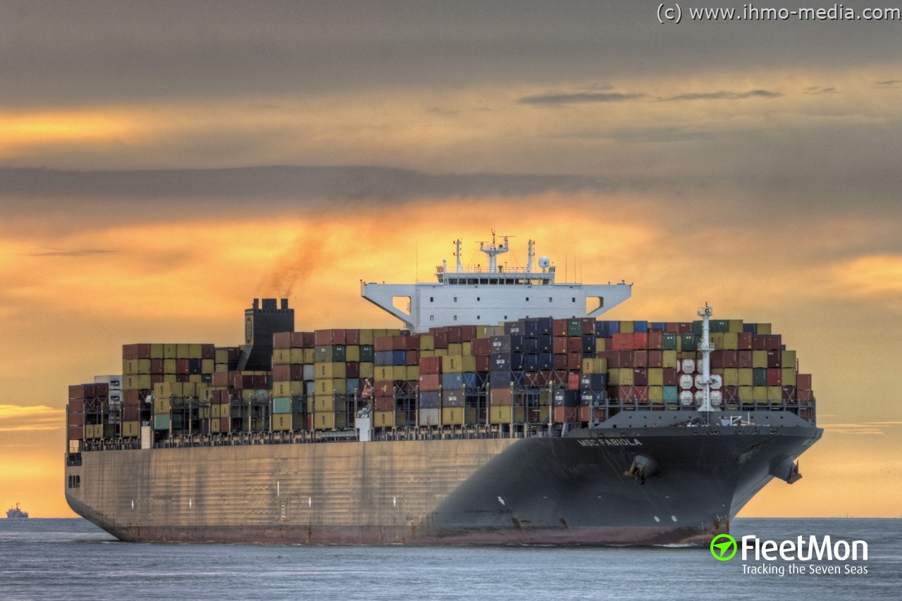 Mega container ship MSC FABIOLA hard aground in Suez Canal