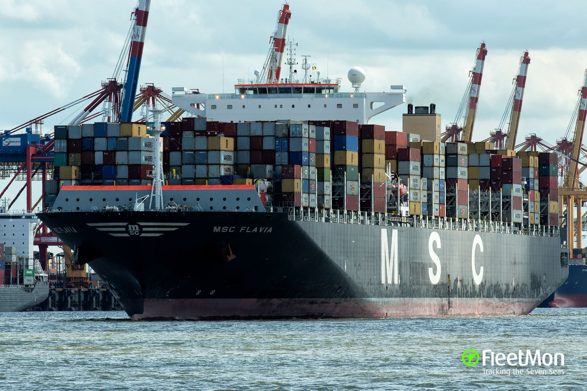 Mega boxship MSC FLAVIA suffered damages in heavy weather