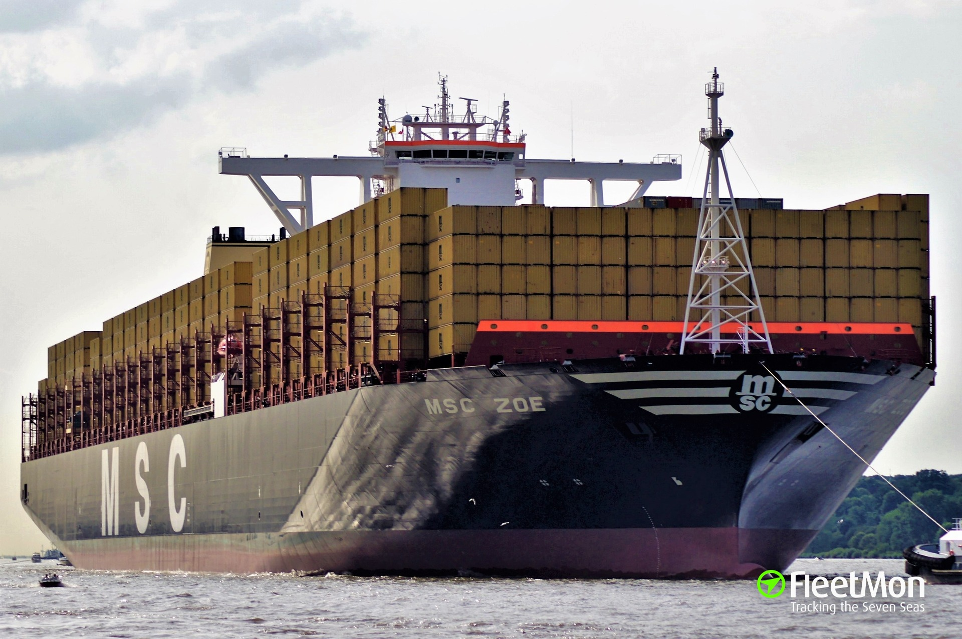 Mega container ship lost 270 containers in North sea