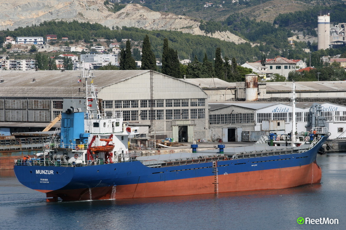11 tons of hashish found on freighter MUNZUR, Italy