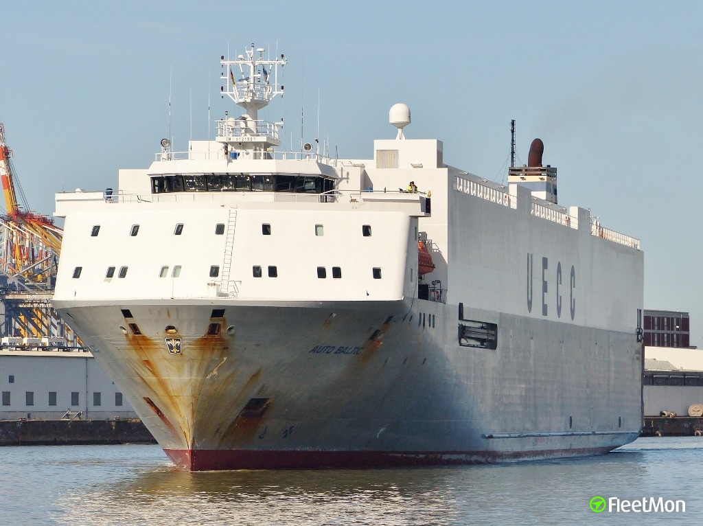 Car carrier Auto Baltic allision
