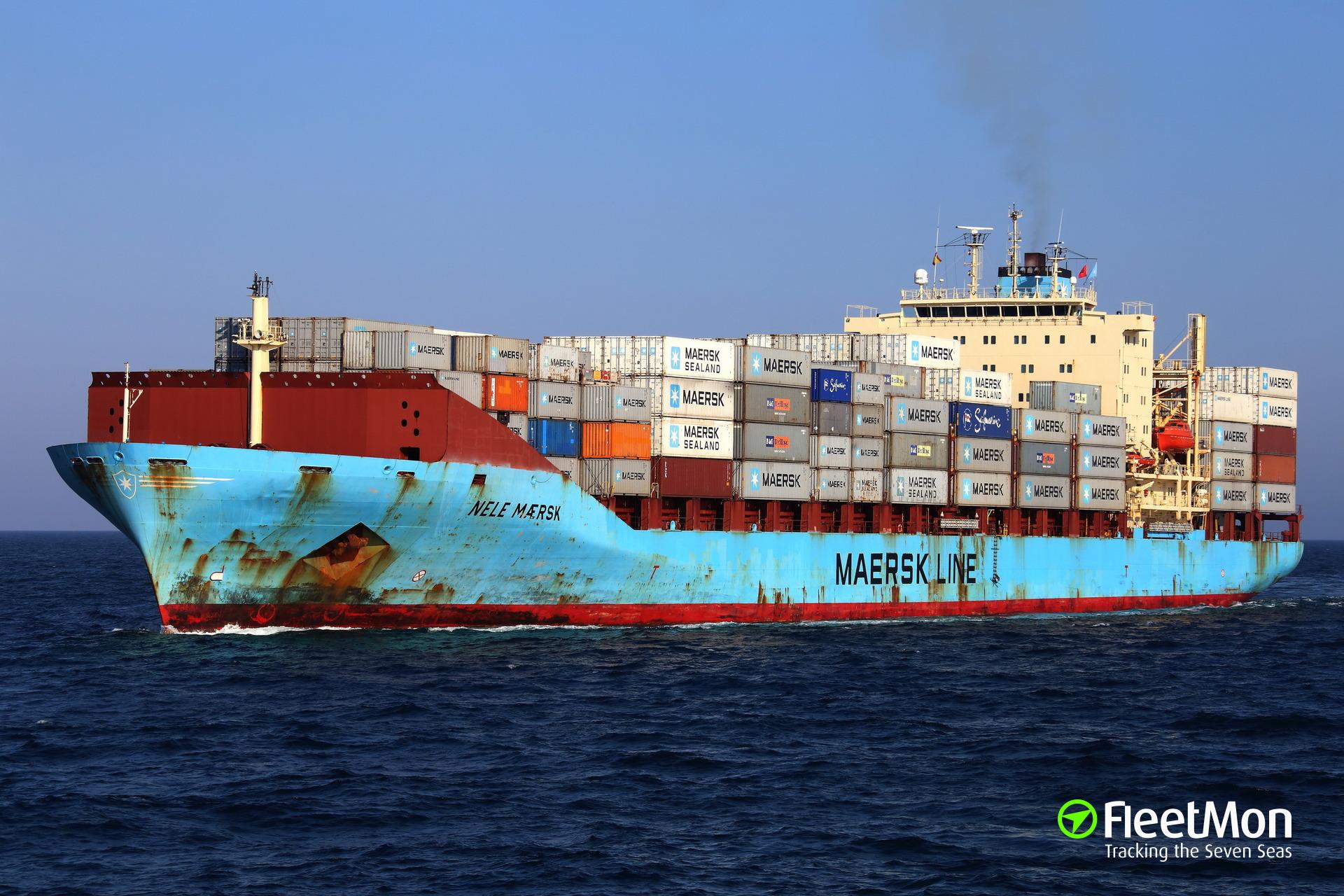 Oil spill from Nele Maersk