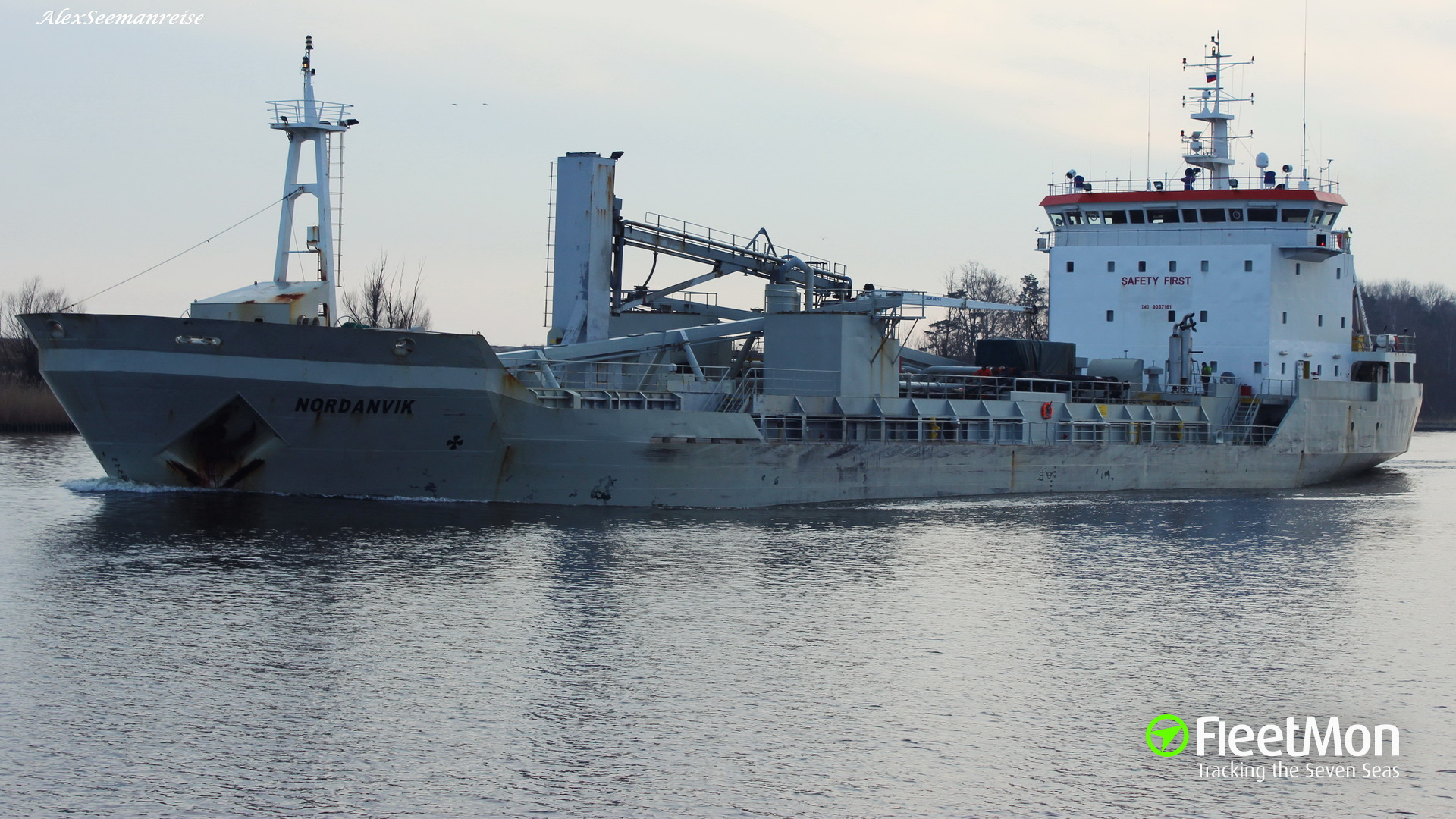 Cement carrier Nordanvik suffered fire in engine room, Finland
