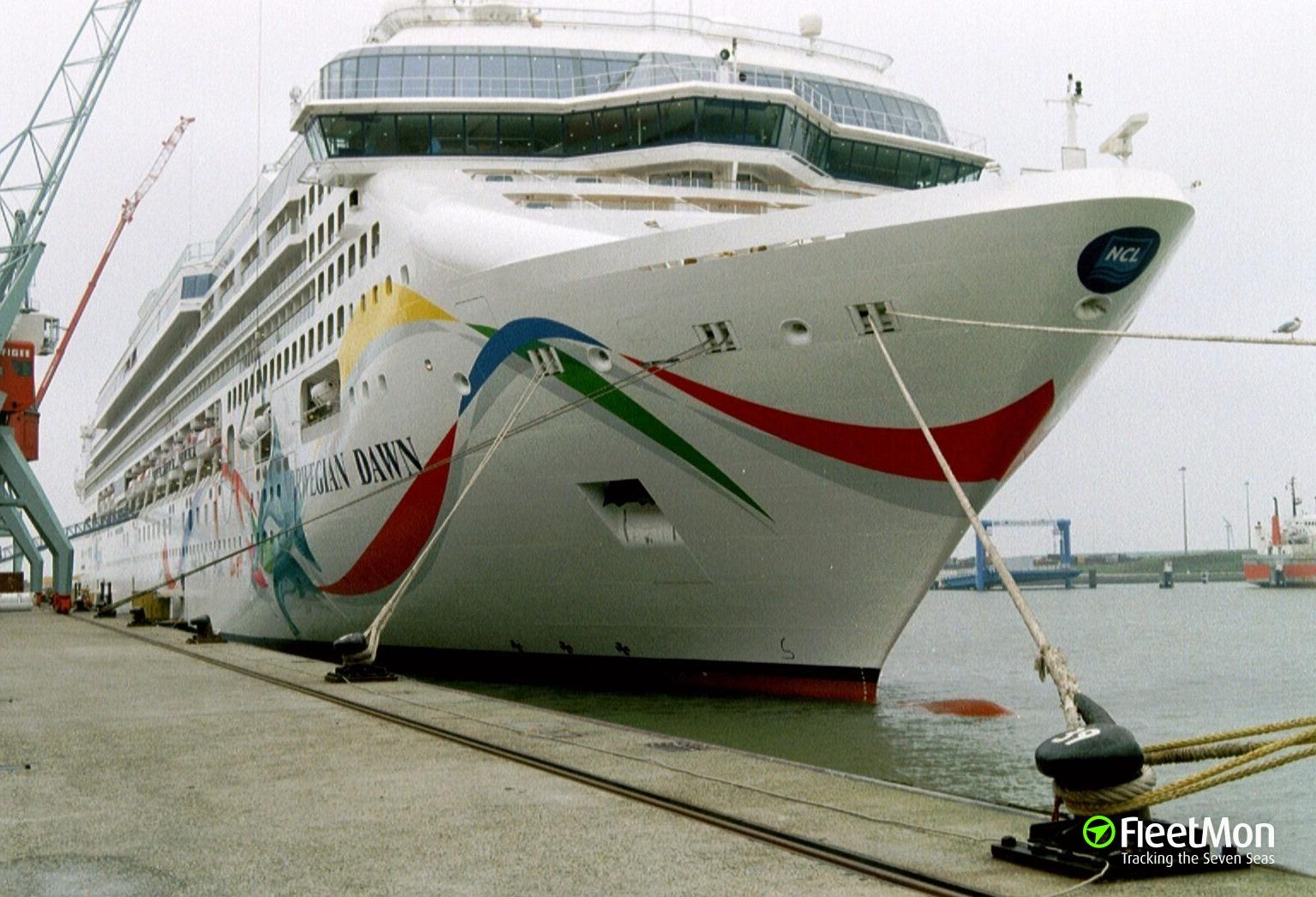 Cruise liner Norwegian Dawn refloated