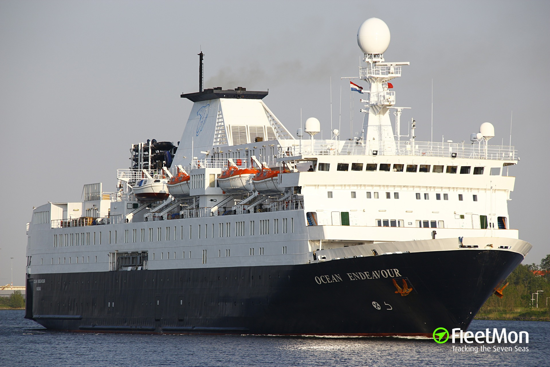 Quark Expeditions Antarctica Cruise Ship OCEAN ENDEAVOUR sustains damage