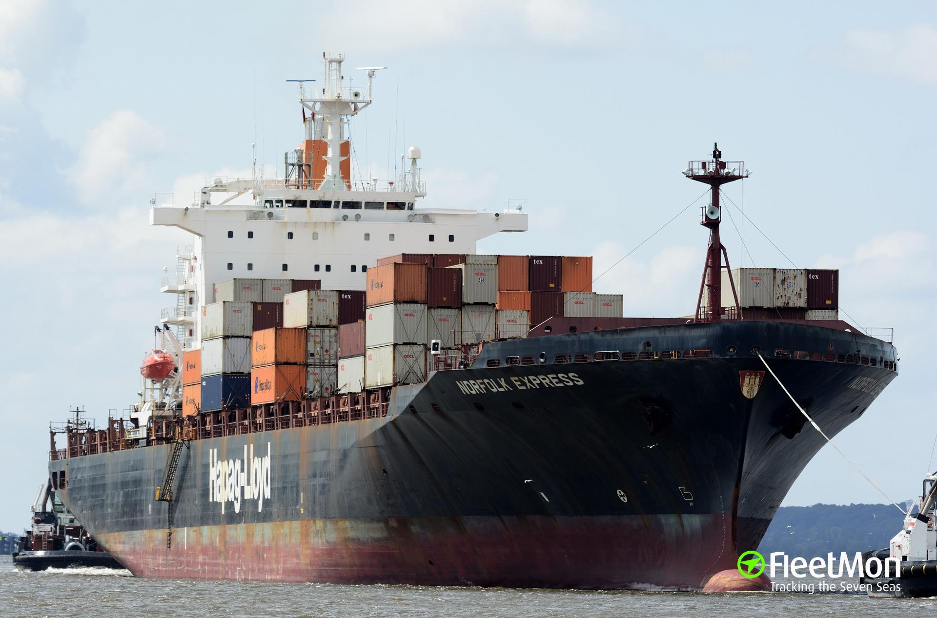 Boxship Norfolk Express aground and refloated, Weser
