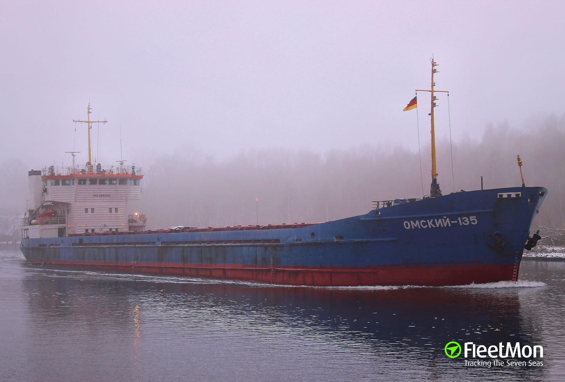 OMSKIY-135 aground, river Svir