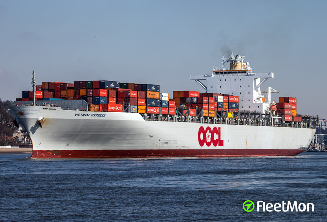 //photos.fleetmon.com/vessels/oocl-italy_9367205_567151_Large.jpg