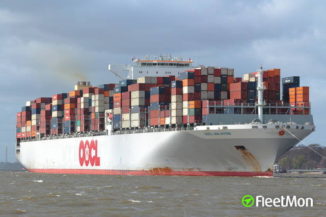 //photos.fleetmon.com/vessels/oocl-malaysia_9627980_1686947_Large.jpg