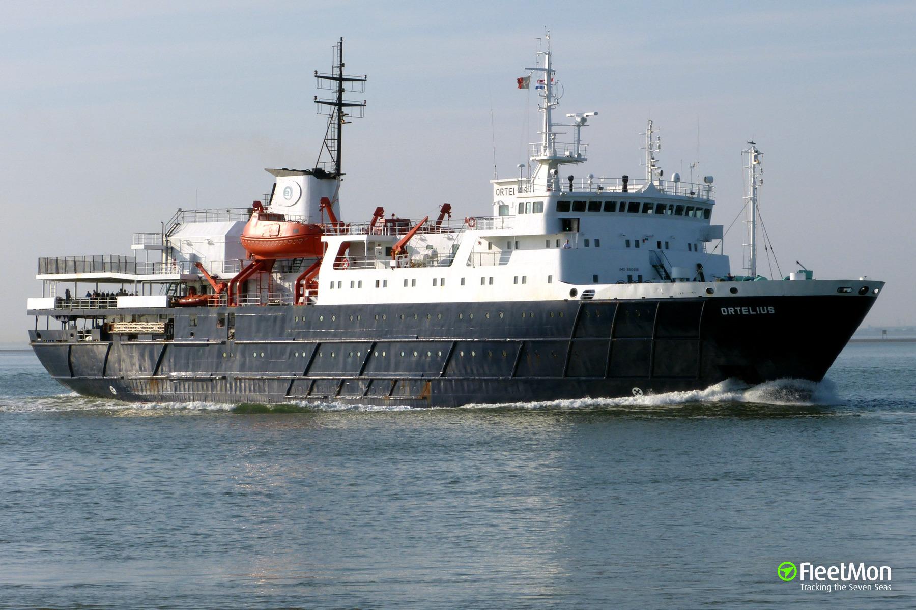 Passenger ship ORTELIUS, Arctic ocean