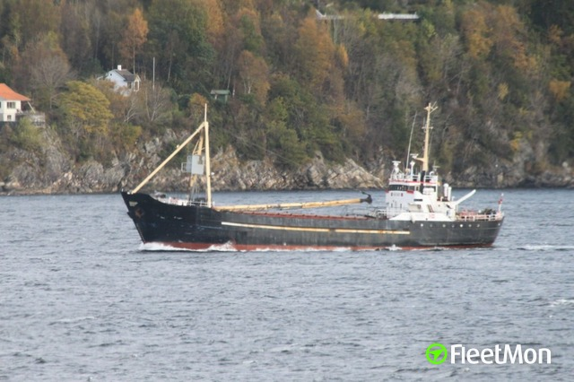 Coaster aground, crew airlifted to safety, Norway