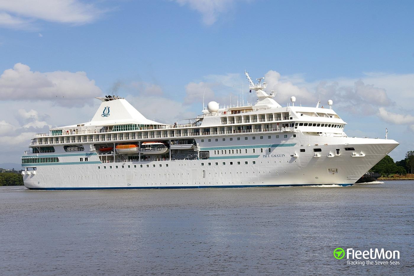 Cruise ship PAUL GAUGUIN was stuck in Bora Bora
