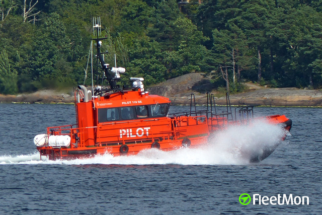 //photos.fleetmon.com/vessels/pilot-118-se_2685052_834390_Large.jpg