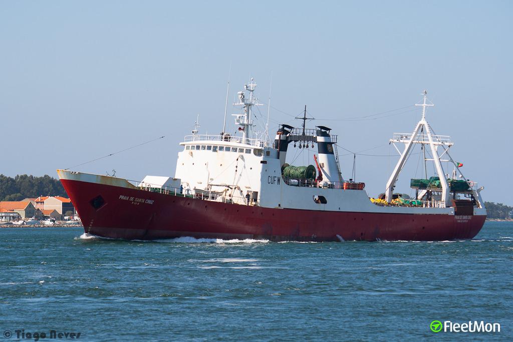Praia de santa cruz fishing vessel imo 7385203 for Santa cruz fishing