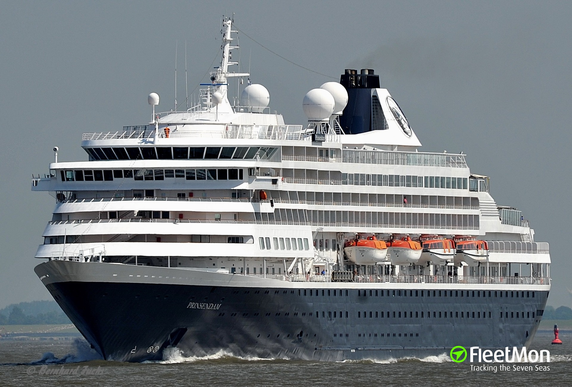 Cruise ship PRINSENDAM fined for air pollution, Italy
