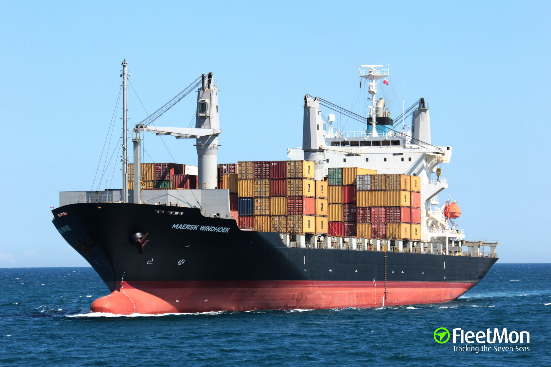 Container ship WINDHOEK attacked by armed pirates, crew robbed, Guinea