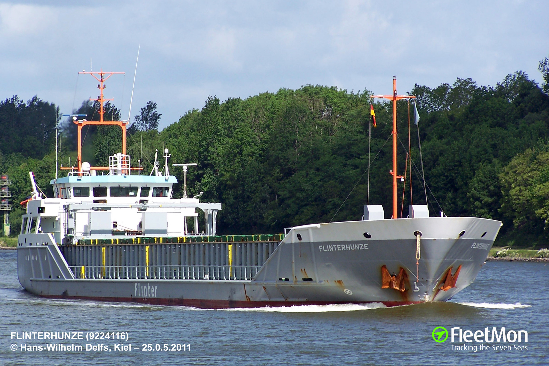 General cargo vessel Vanguard towed to Brest