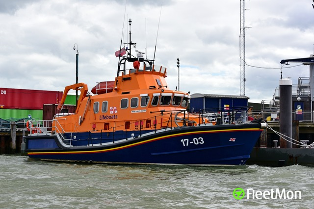 //photos.fleetmon.com/vessels/rnlb-albert-brown_18_2561733_Large.jpg