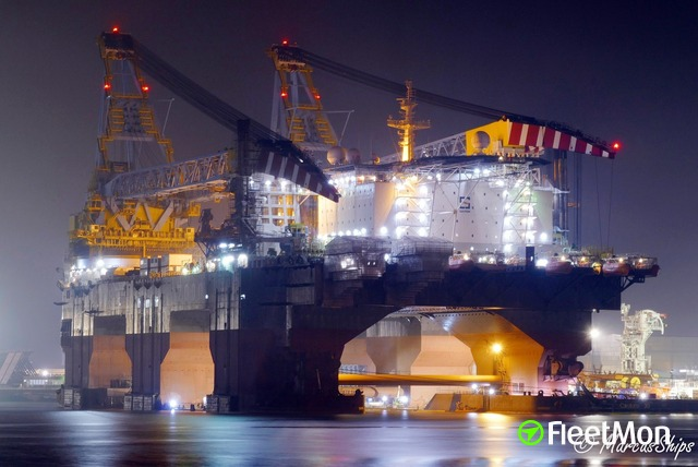 Vessel SAIPEM 7000 (Heavy Lift Vessel) IMO 8501567, MMSI 309461000