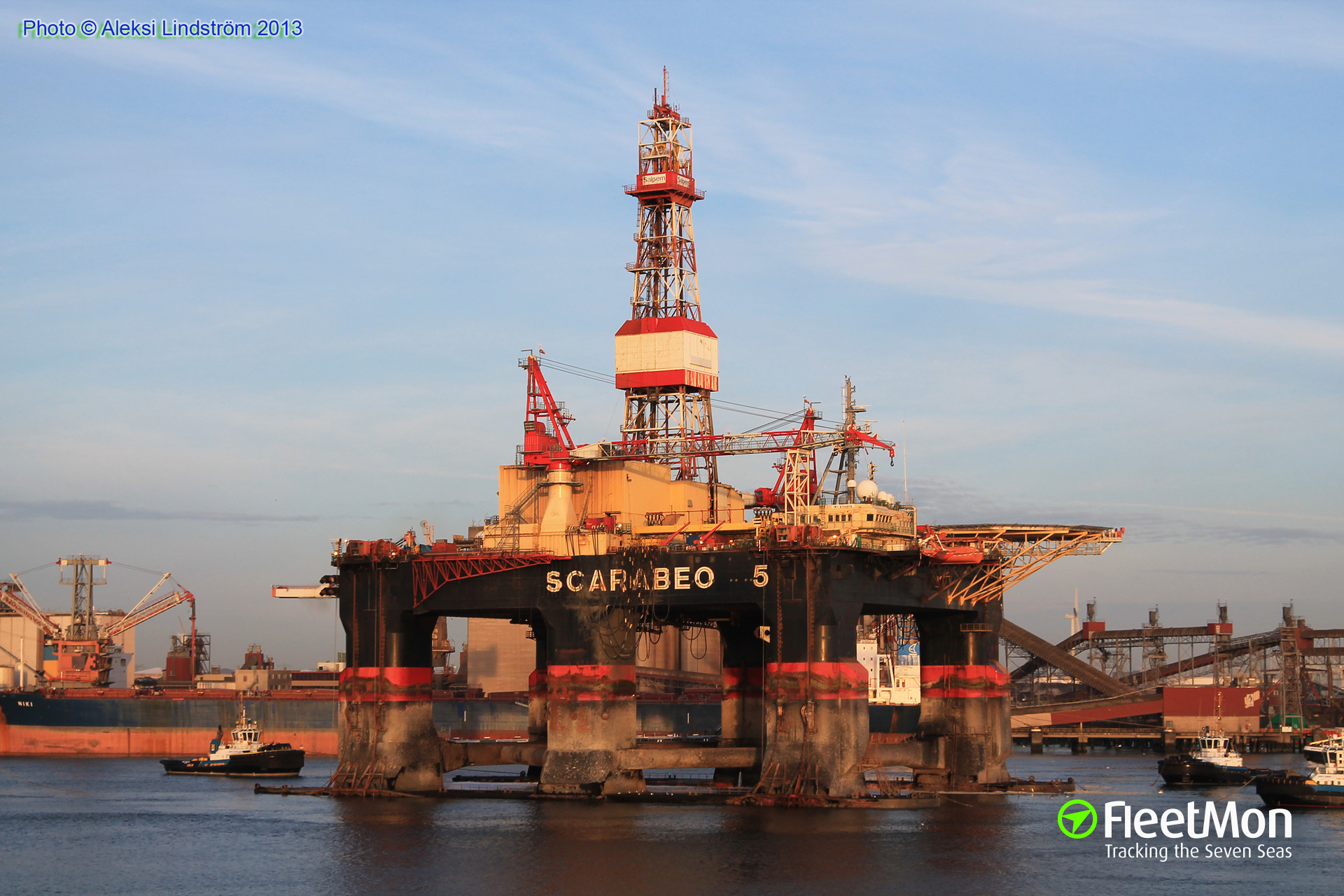 Oil rig fire, Norwegian sea
