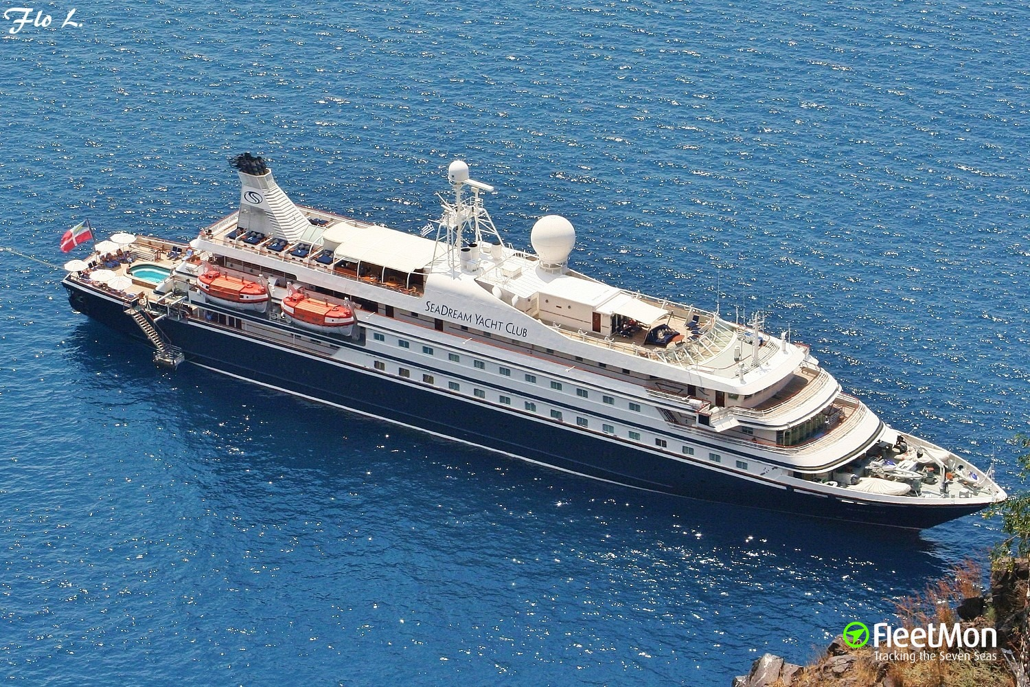 Luxury cruise ship SEADREAM I fire, passengers and crew evacuated