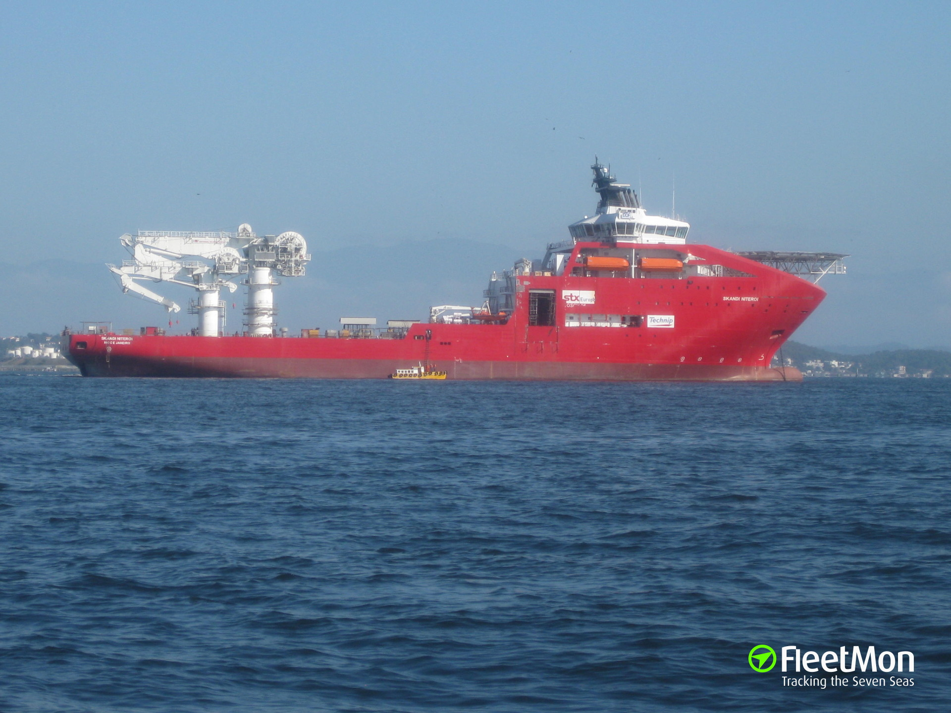 Offshore ship SKANDI NITEROI taken back to port after engine failure