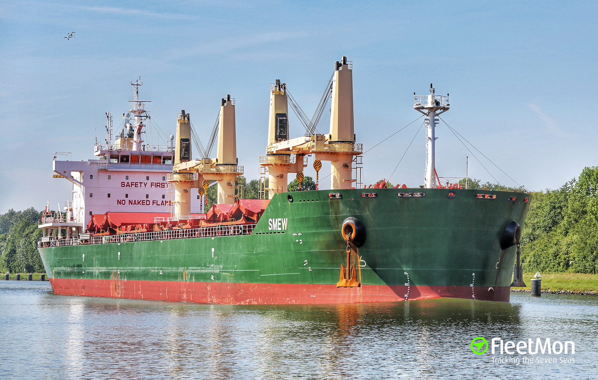 Bulk carrier Smew refloated, Parana
