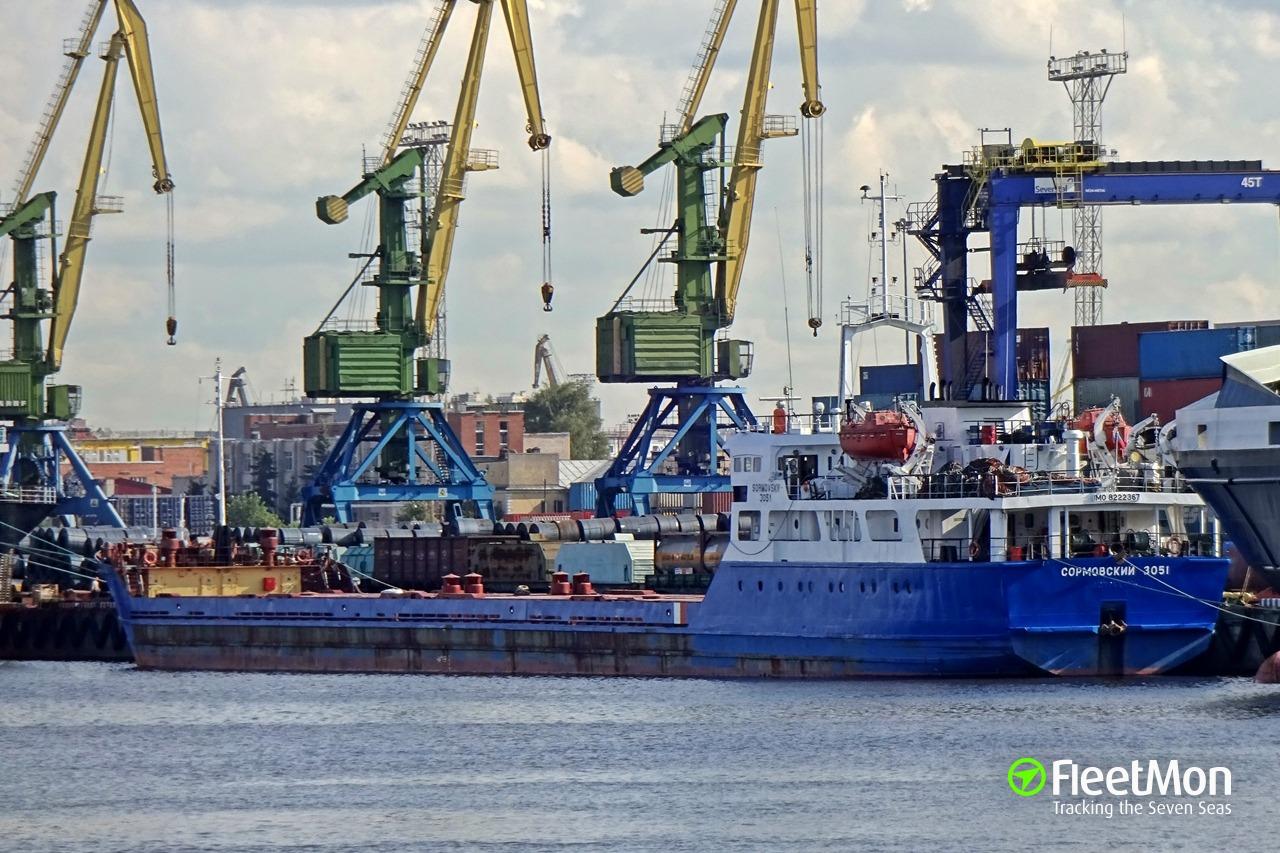 SORMOVSKIY-3051 aground, Azov sea