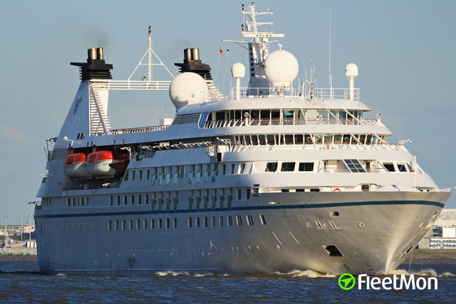 Elongation and modernization of three ships in the Windstar Cruises fleet