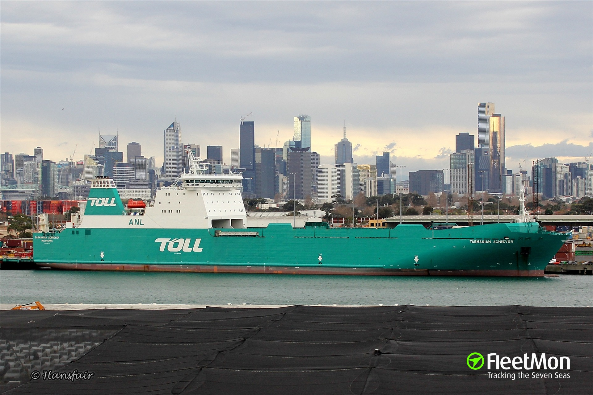 ​Tragic accident in Melbourne: man crushed to death on RoRo ship