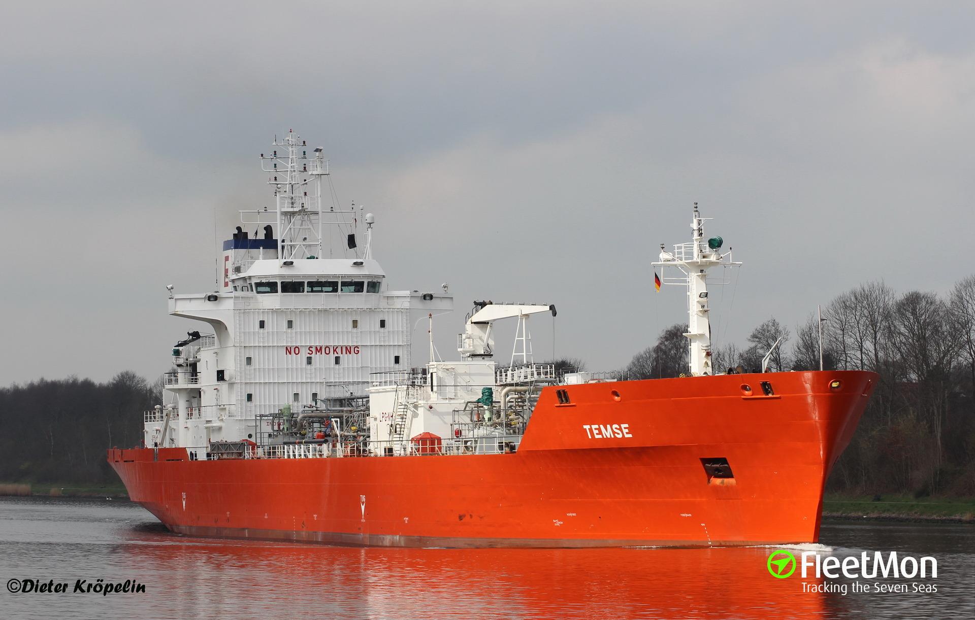 LPG tanker Kemira Gas grounded on Kiel Canal embankment