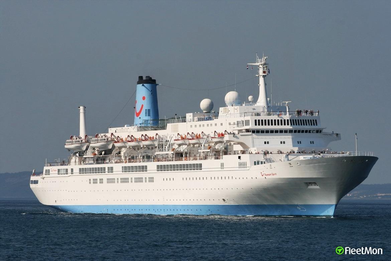 Cruise ship THOMSON SPIRIT grounding not ship's error