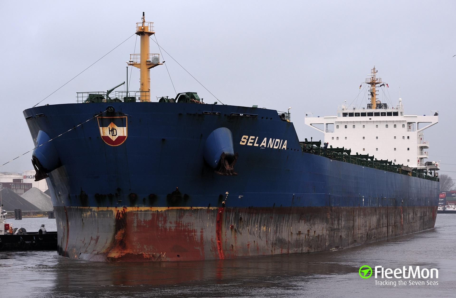 Bulk carrier SELANDIA Master medevac in Magellan Strait
