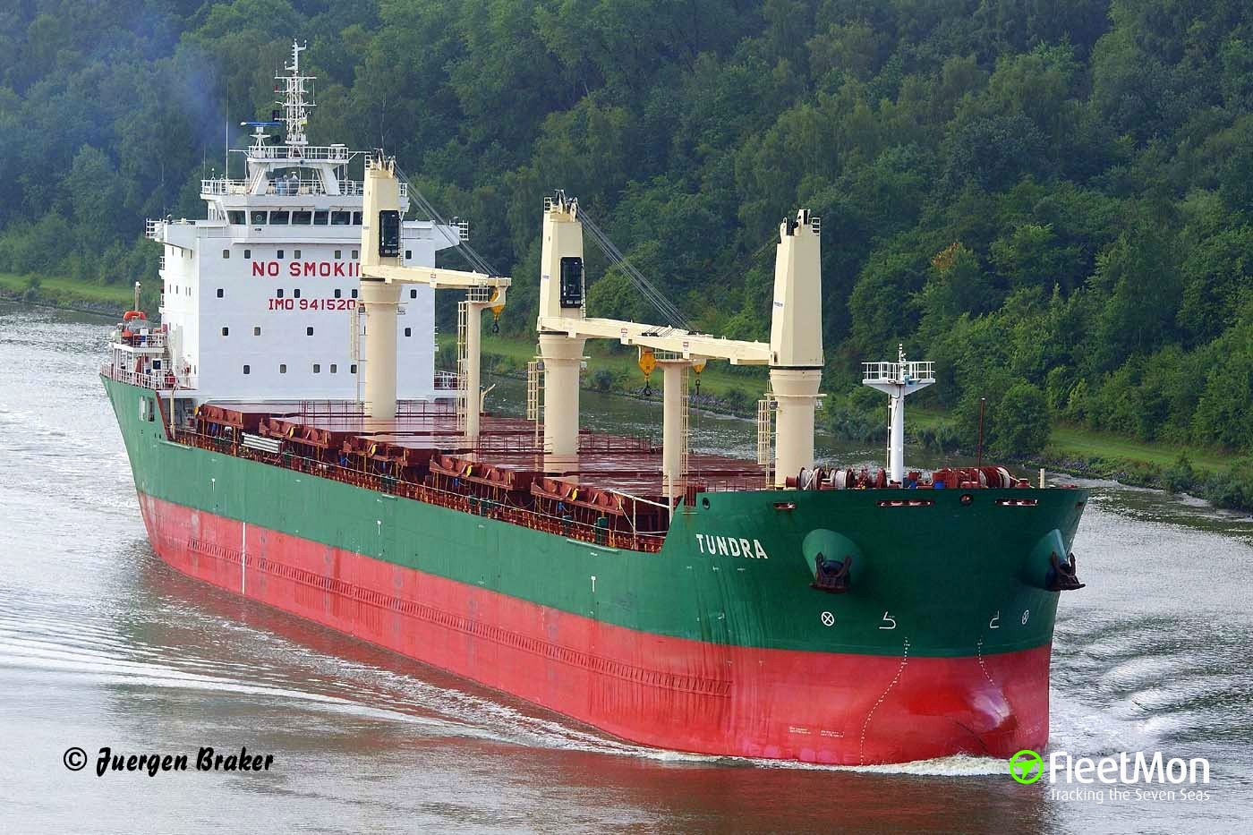 Bulk carrier Tundra refloated