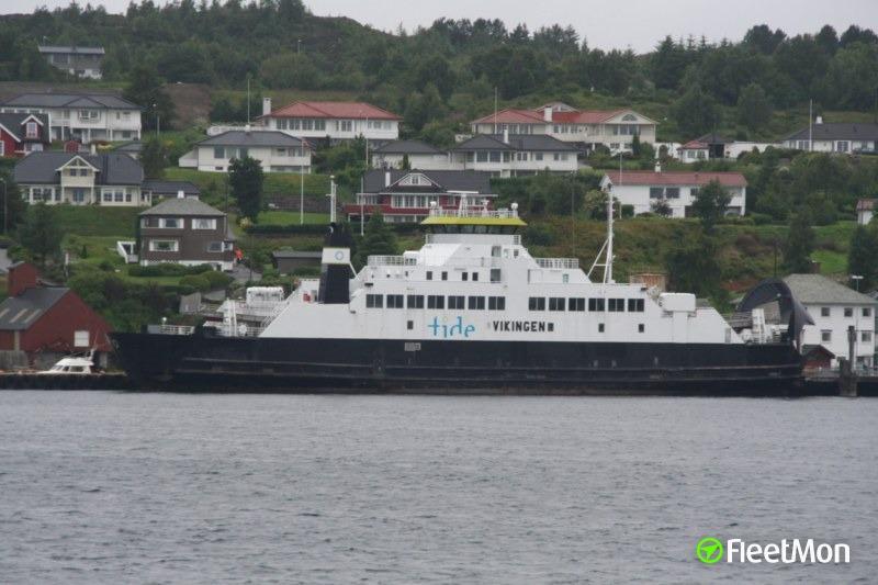 Ferry VIKINGEN aground