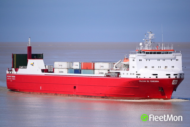 Ro-ro cargo ship fire off Santa Cruz de Tenerife