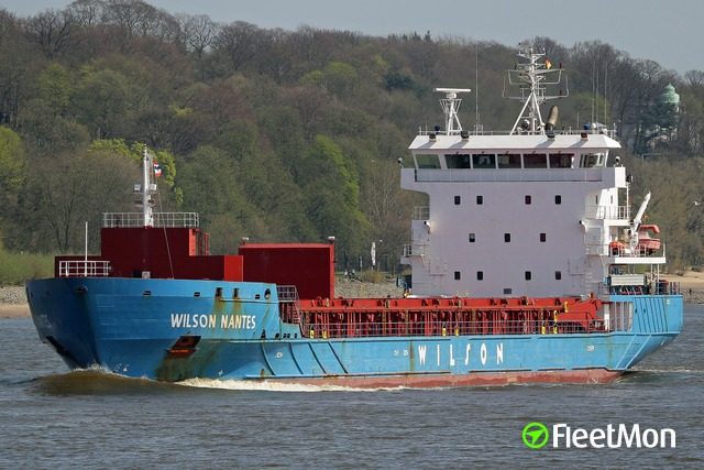 //photos.fleetmon.com/vessels/wilson-nantes_9430973_2558873_Large.jpg